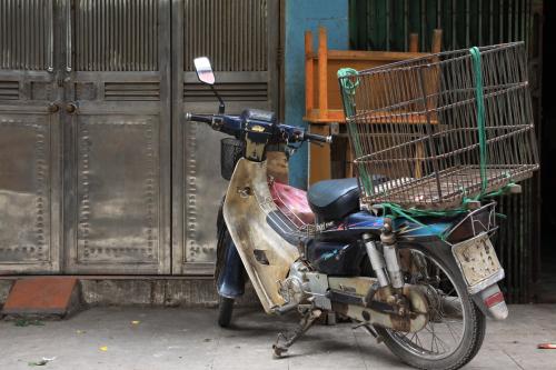 Kultowa Honda Dream i przykład jej wszechstronnych zastosowań