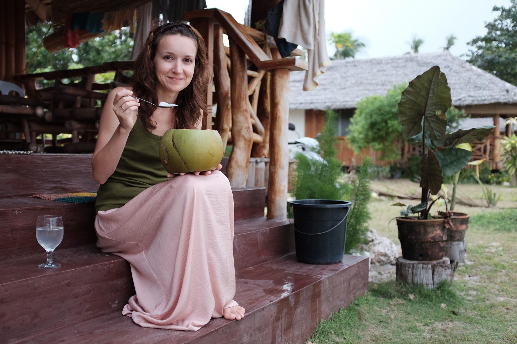 Kokos prosto z drzewa